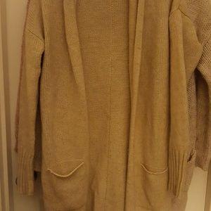 Gap cream peite sweater xs